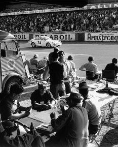 Alfa-Romeo-Giulietta-SZ-Le-Mans-1963-photo-car-art