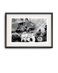 Ferrari-275P-Mike-Parkes-Ludovico-Scarfiotti-Le-Mans-1964-frame